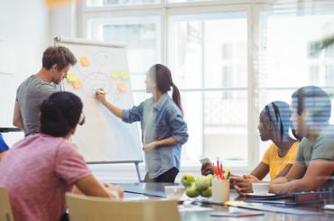 Mau Cari Uang Tambahan? Cek 5 Peluang Bisnis Online untuk Mahasiswa Iniimage