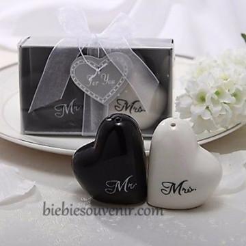 Heart Mr n Mrs Salt Pepper image
