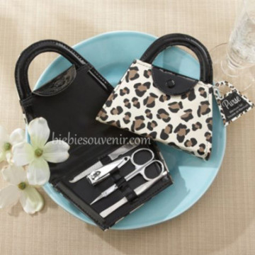 Purse Cheetah Manicure Set image