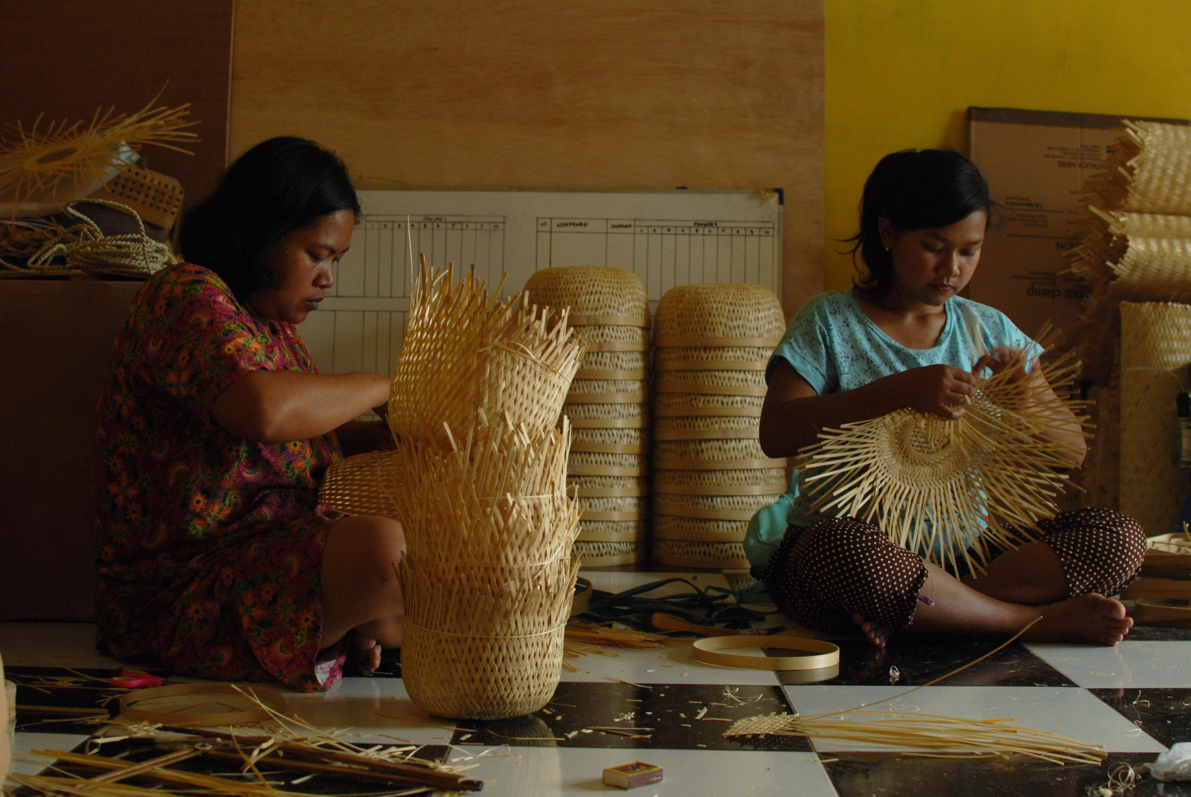 artisan weaving studio dapur