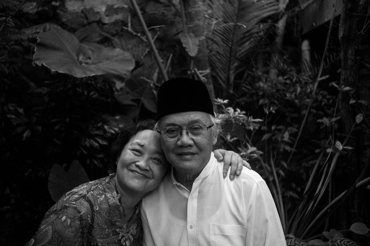 Pak Ahadiat Joedawinata & Ibu Chairin Hayati