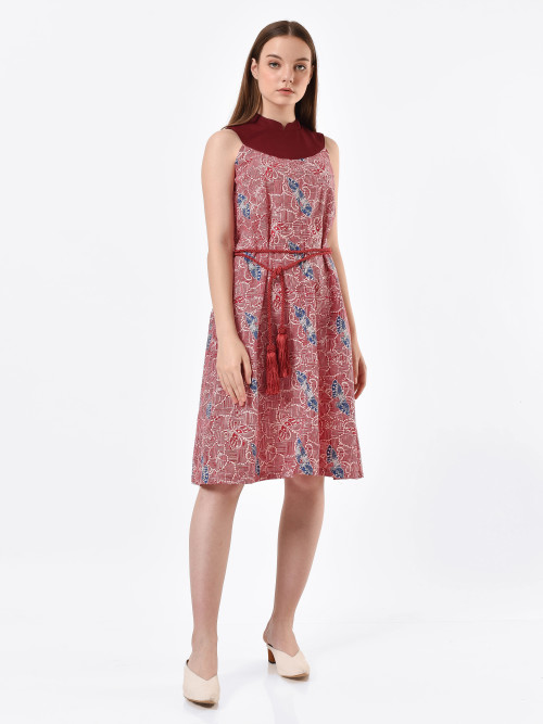 Layla Half-Moon Midi Dress in Red image